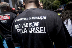Protesto unificado de servidores no centro do Rio