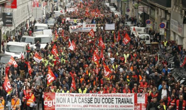 Greve geral na França: mais de 400 mil pessoas se mobilizam contra Macron