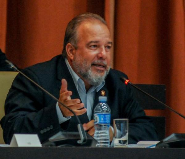 Cuba empossa novo governo com Marrero Cruz como primeiro-ministro
