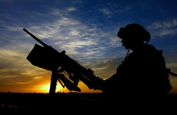 Militares aposentados dos EUA enriqueceram nos Bálcãs