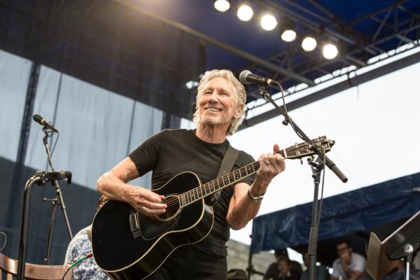 Os capacetes brancos tentaram recrutar Roger Waters com dinheiro saudita